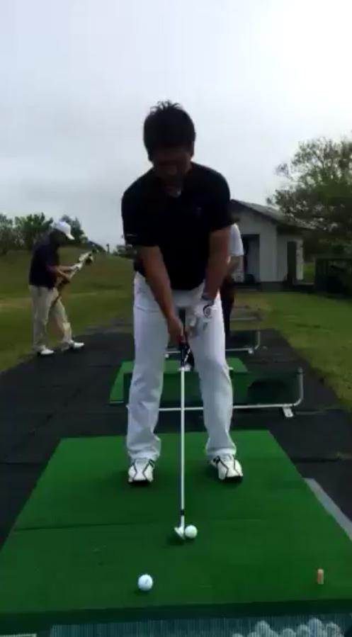 ゴルフスイングの動画
